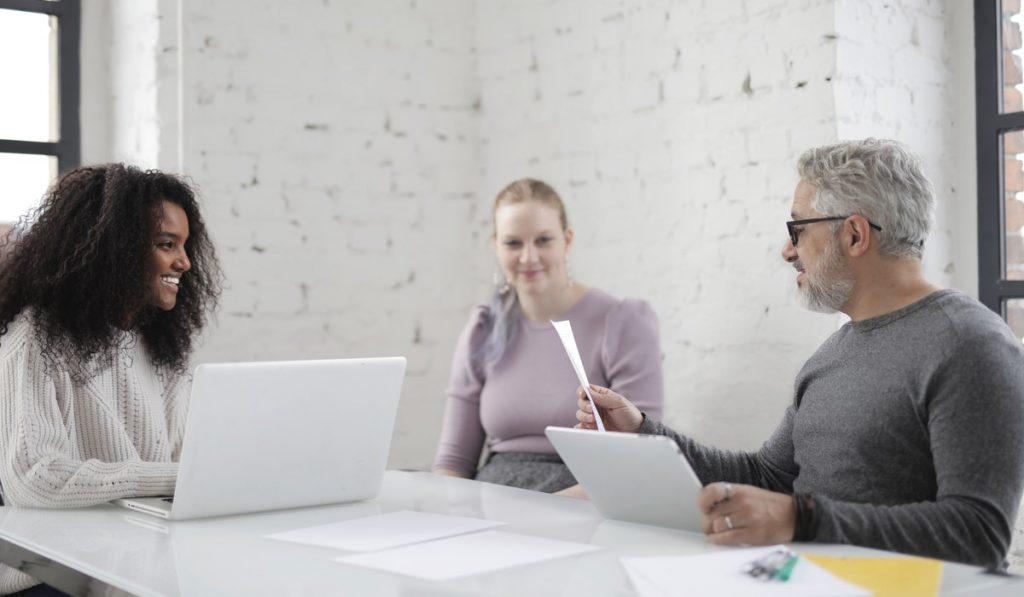 ¿Qué es una ventaja competitiva y cómo aprovecharla?