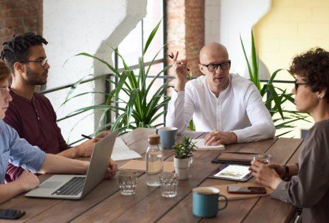 ¿Cómo hacer una capacitación del equipo de ventas?