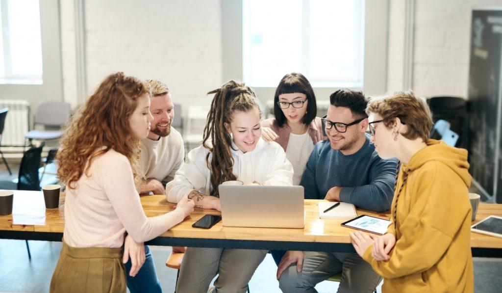 estrategias para fortalecer a un equipo de ventas.
