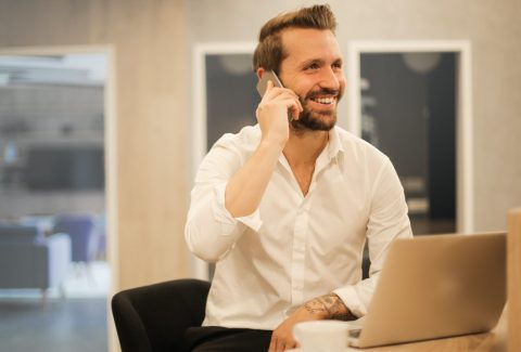 ¿Querés saber cómo mejorar tu servicio de atención telefónica al cliente? ¿Sabías que una sonrisa puede influir mucho a la hora de atender el teléfono? ¡Seguí leyendo y enterate cómo!