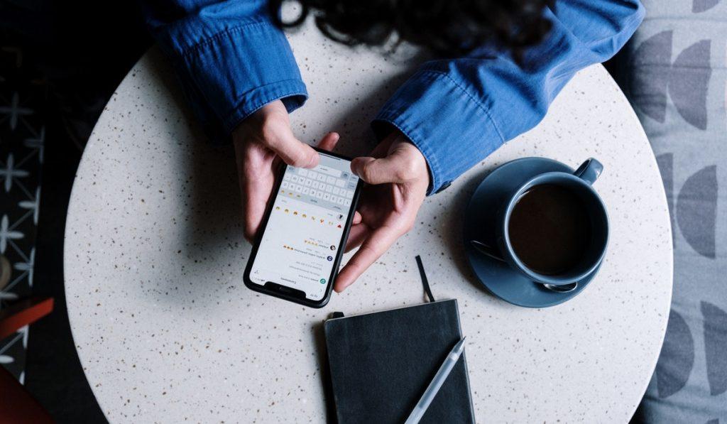 ¿Querés saber qué es la comunicación bidireccional? En esta nota te contamos cómo funciona y cómo usarla en RRSS. ¡Seguí leyendo!