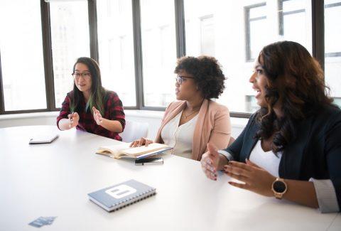 ¿Qué es la retroalimentación positiva? ¿Cómo podes brindarsela a tus colaboradores? En esta nota respondemos eso y mucho más.