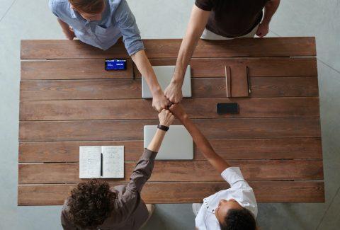 ¿Cómo mejorar la comunicación interna de la empresa? En esta nota te contamos 5 claves para implementar entre tus empleados. ¡Seguí leyendo!